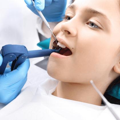 הלבנת שיניים בשרון